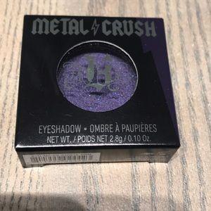 Purple metallic eyeshadow- DANZIG bold pigment